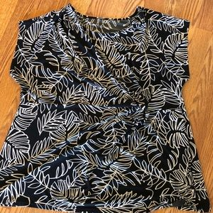 Knit, short sleeve tee with gather at waist 22/24